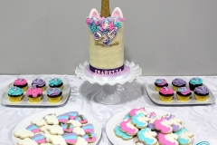 Unicorn-Dessert-Table-2